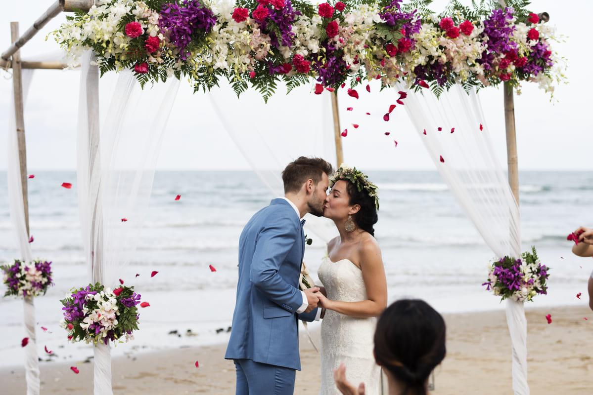 Razones para considerar una boda en la playa